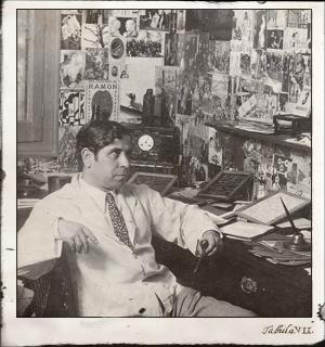 Ramón Gómez de la Serna, emérito coleccionista, en su torreón
